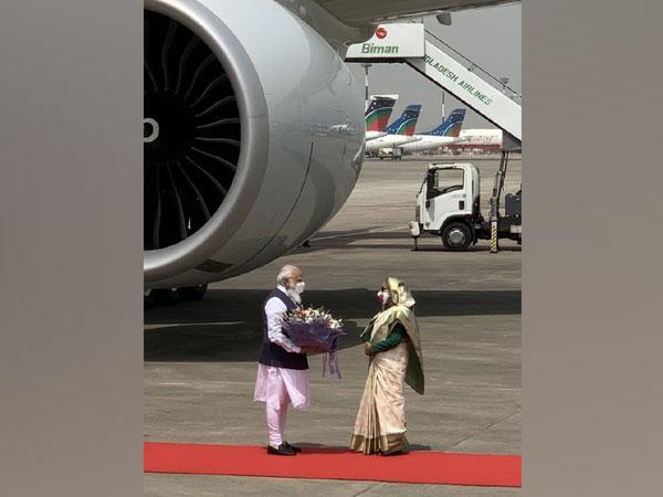 Prime Minister Narendra Modi with his Bangladeshi counterpart Sheikh Hasina at Dhaka Airport on Friday. (Source: Twitter/PMO)