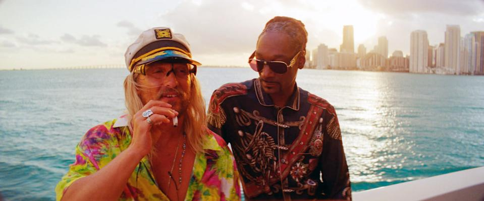 Matthew McConaughey and Snoop Dogg in Harmony Korine's 'The Beach Bum' (Photo: Courtesy of NEON and VICE/Everett Collection)