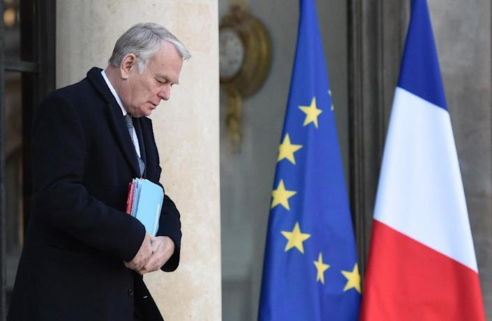 French Foreign Minister Jean-Marc Ayrault is pictured after the weekly cabinet meeting in Paris on January 18, 2017 (AFP Photo/STEPHANE DE SAKUTIN)