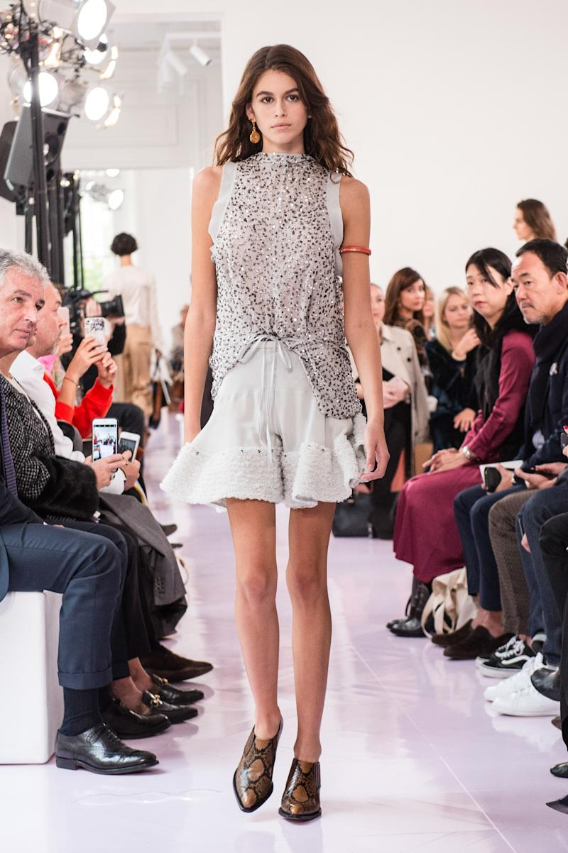 Kaia Gerber walks the runway during the Chloe show as part of the Paris Fashion Week Womenswear Spring/Summer 2018 on September 28, 2017 in Paris, France. (Photo by Peter White/Getty Images)