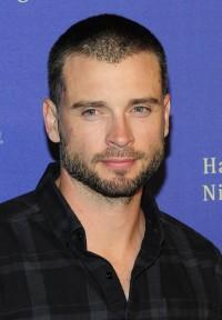 Tom Welling Suits Up For 'Draft Day'