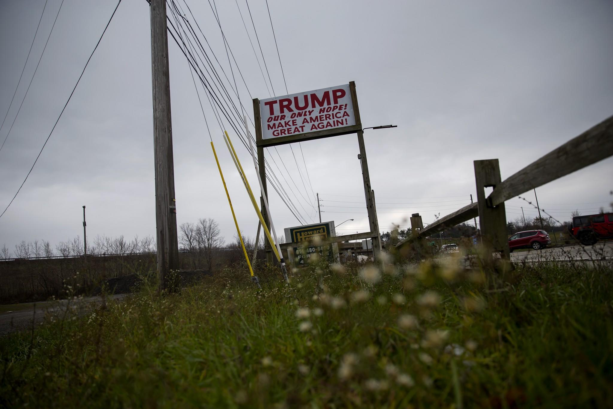 A Trump sign in Erie, PA. (Photo: Eric Thayer for Yahoo News)
