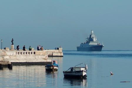 Russian guided missile frigate Admiral Gorshkov enters Havana's bay