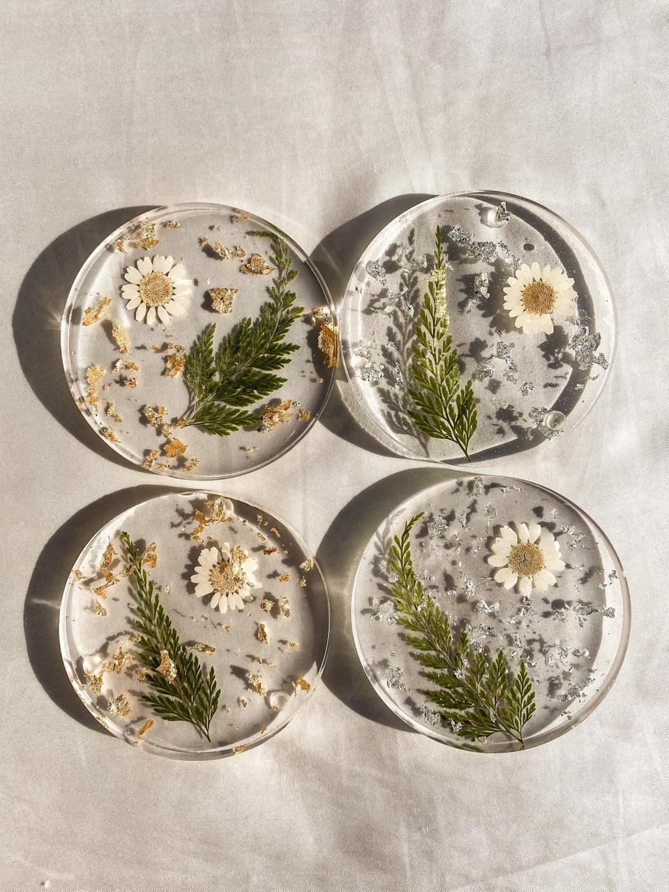 <p>How adorable are these <span>Daisy Floral Coasters</span> ($10 each)?</p>