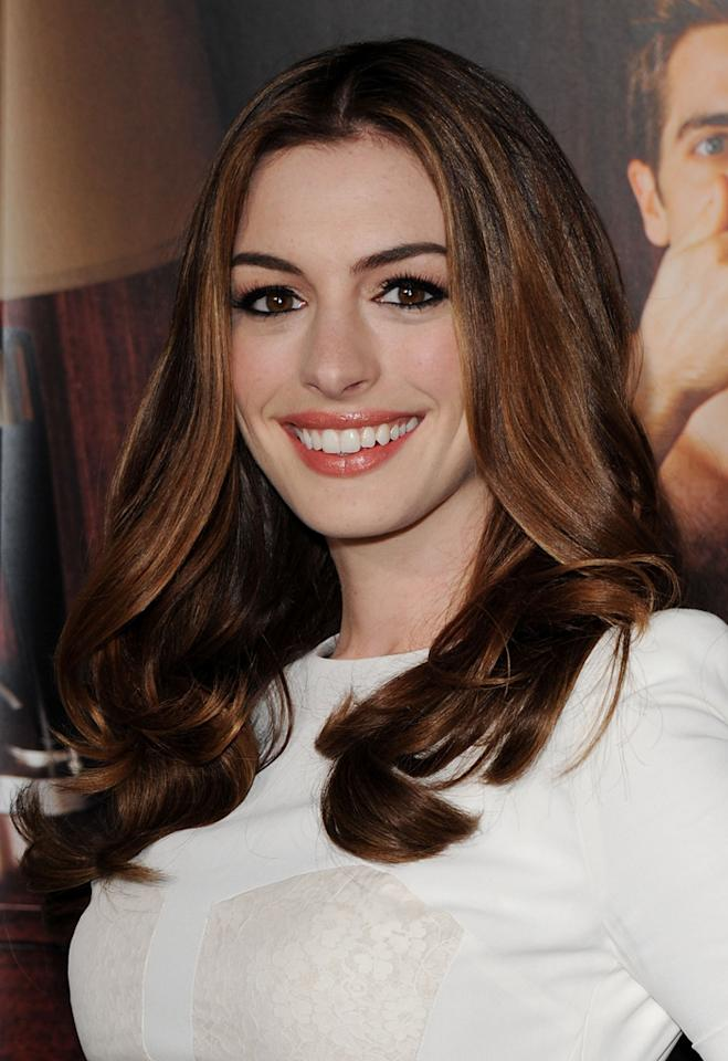 """<a href=""""http://movies.yahoo.com/movie/contributor/1804705919"""">ANNE HATHAWAY</a>"""