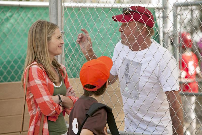 """This TV publicity image released by ABC shows Maggie lawson, left, and James Caan, right, in a scene from the new series """"Back in the Game,"""" premiering this fall. (AP Photo/ABC, Randy Holmes)"""