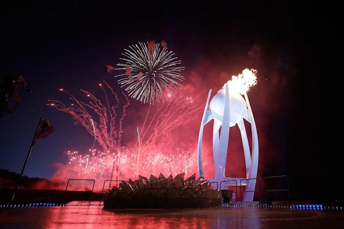 <p>The ceremony also included an extensive fireworks display and the lighting of the large Olympic cauldron. </p>