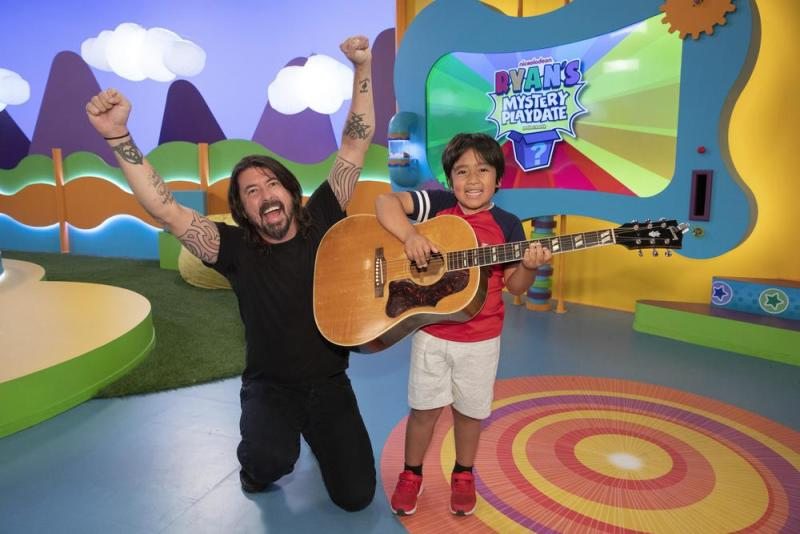 Dave Grohl on Ryan's Mystery Playdate   Nickelodeon