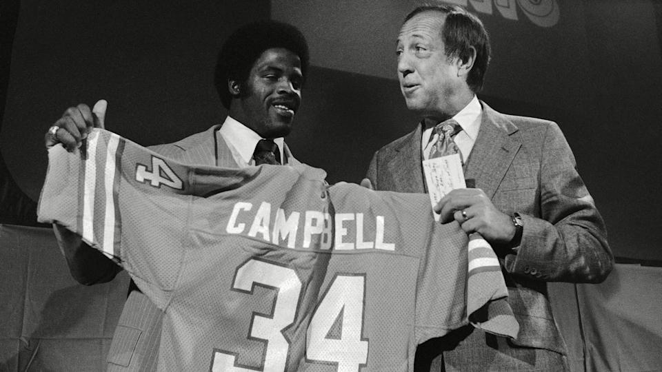 Mandatory Credit: Photo by Dave Pickoff/AP/Shutterstock (6031628a)Earl Campbell, no.