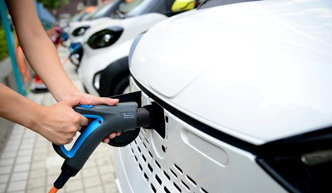 Beijing has promised to build more charging facilities and filling stations for electricity- and hydrogen-powered cars. Photo: Reuters