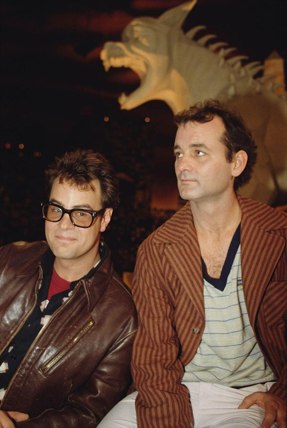 <p>Dan Aykroyd and Bill Murray attend the premiere of the movie <em>Ghostbusters</em>, directed and produced by Ivan Reitman in 1974.</p>