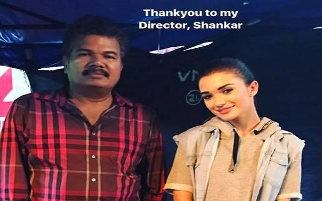 Rajinikanth's 2.0: Amy Jackson wraps up shoot, shares picture with Shankar
