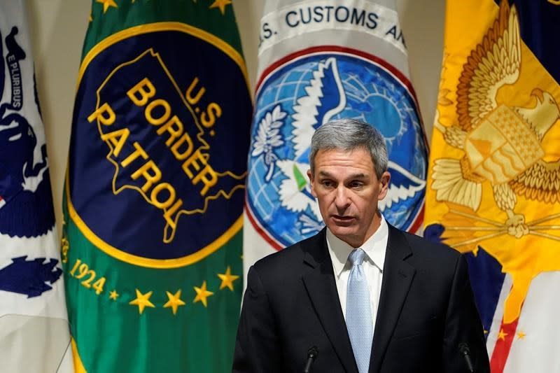 Official claims pressure to alter Homeland Security intel