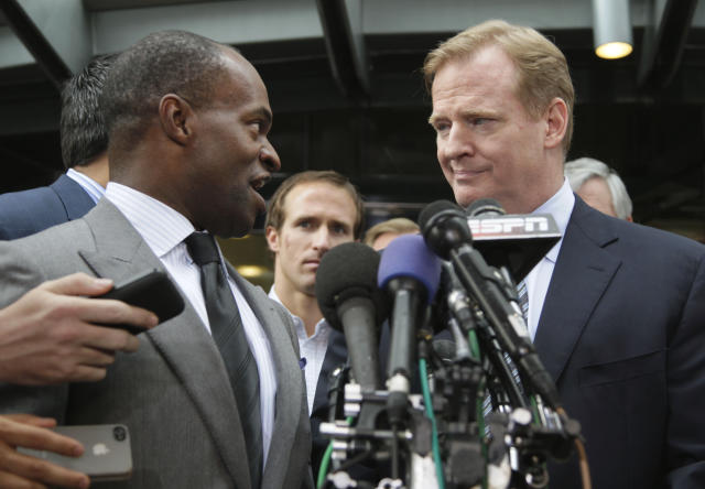 NFLPA executive director DeMaurice Smith, left, and NFL commissioner Roger Goodell will be at the center of discussions on a new labor deal. (AP)