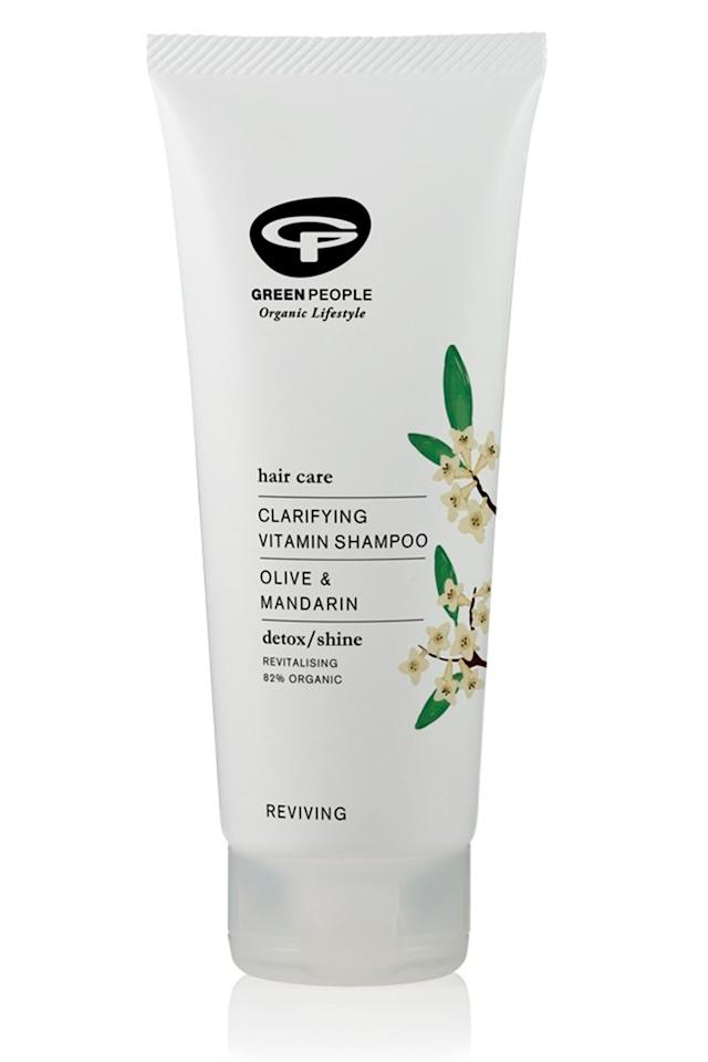 """<p><a class=""""body-btn-link"""" href=""""https://go.redirectingat.com?id=127X1599956&url=https%3A%2F%2Fwww.greenpeople.co.uk%2Fclarifying-vitamin-shampoo-200ml&sref=http%3A%2F%2Fwww.cosmopolitan.com%2Fuk%2Fbeauty-hair%2Fhair%2Fg13914882%2Fclarifying-shampoo%2F"""" target=""""_blank"""">BUY NOW</a> £13</p><p>If you want a clarifying shampoo without all the 'nasties' (yes, I hate that word too), look to Green People. </p><p>The all-natural beauty brand formulated this clarifying shampoo to remove product build up from the hair and leave it clean and refreshed. The best bit? It's 'made without SLS/SLES, alcohol (ethyl alcohol, ethanol), parabens, phthalates and artificial fragrances'.<br></p>"""