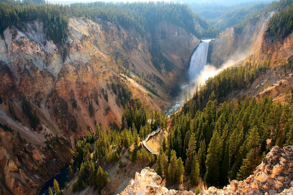 yellowstone national park (MorningDewPhotography. iStock / Getty Images Plus)
