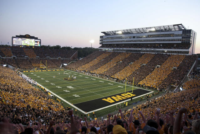 An Iowa defensive lineman was arrested on Saturday morning after drunkenly mistaking a police car for his Uber. (Getty Images)