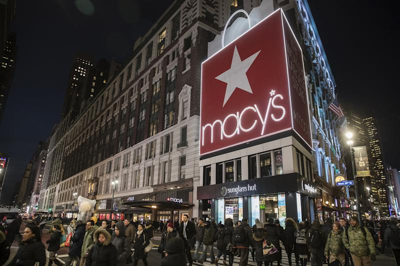 Macy's Inc. shares plunge on disappointing holiday results