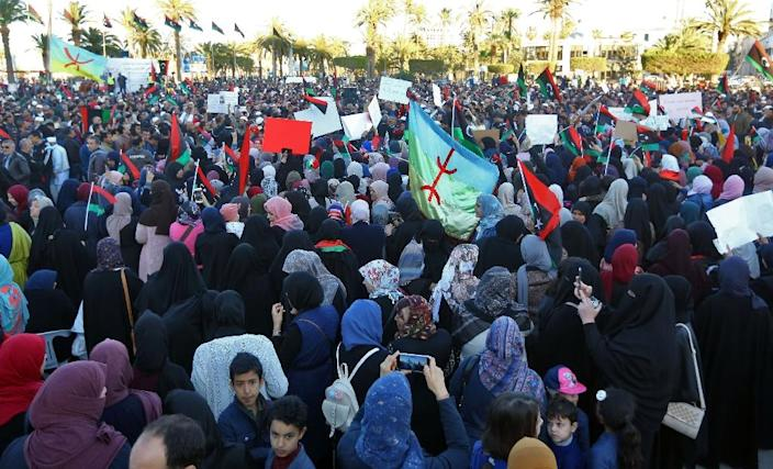 Tripoli residents demonstrate against Libyan strongman Haftar in the capital's Martyrs Square (AFP Photo/Mahmud TURKIA)