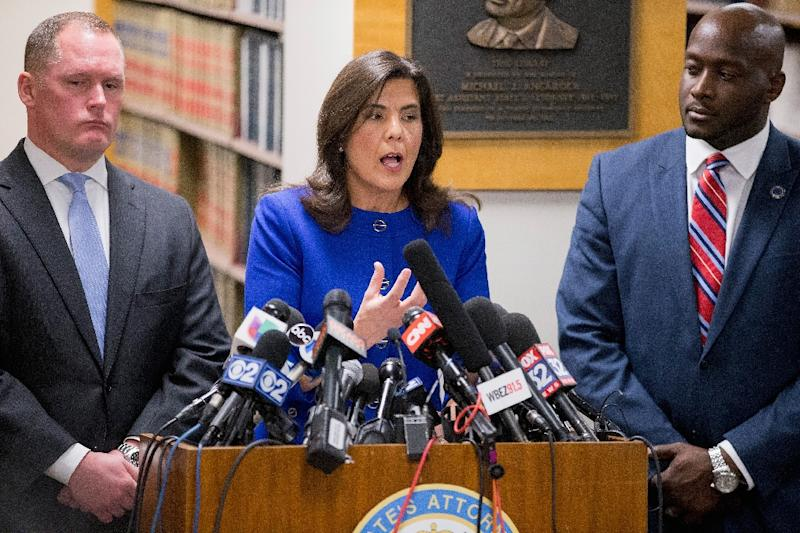 Cook County State's Attorney Anita Alvarez speaks to the media about Chicago police officer Jason Van Dyke following a bond hearing for Van Dyke at the Leighton Criminal Courts Building on November 24, 2015 in Chicago, Illinois (AFP Photo/Scott Olson)
