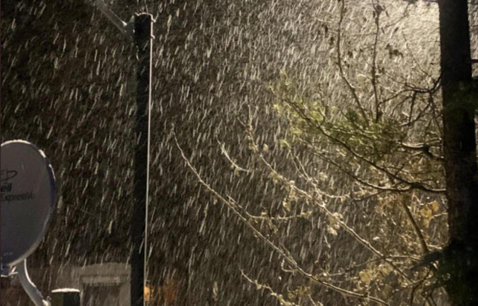 Overnight snow piles up in central Alberta, slick and icy travel reported