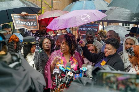 Gwen Carr, Eric Gardner's mother speaks to the media during a break at the disciplinary trial of police officer Daniel Pantaleo in relation to the death of Eric Garner at 1 Police Plaza in the Manhattan borough of New York, New York, U.S., May 13, 2019. REUTERS/David 'Dee' Delgado