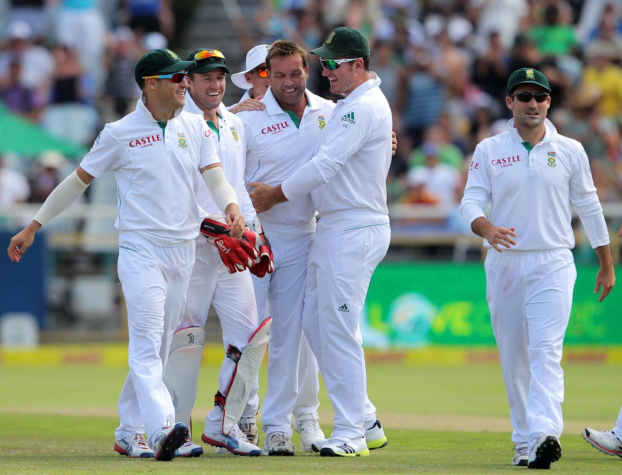 CAPE TOWN, SOUTH AFRICA - JANUARY 03:  Jacques Kallis of South Africa celebrates the wicket of Kane Williamson during day 2 of the 1st Test between South Africa and New Zealand at Sahara Park Newlands on January 03, 2013 in Cape Town, South Africa.  (Photo by Carl Fourie/Gallo Images/Getty Images)