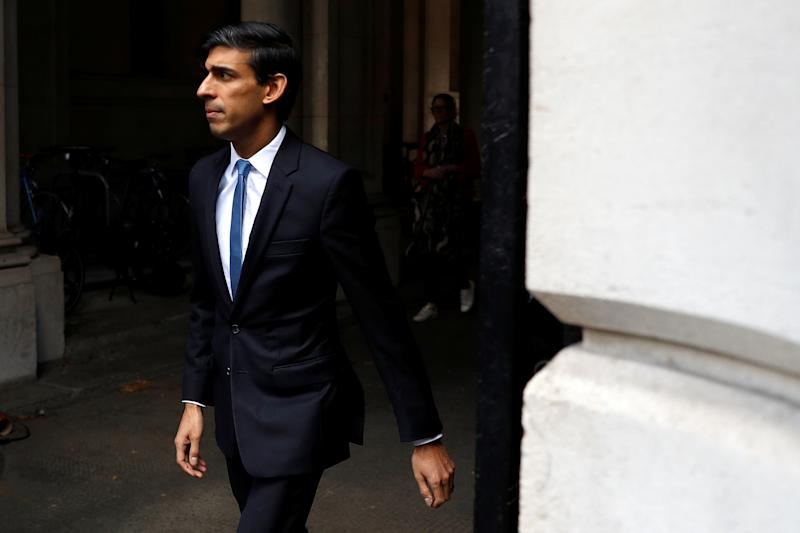 Chancellor of the Exchequer Rishi Sunak arrives in Downing Street as the spread of the coronavirus disease (COVID-19) continues, London, Britain, April 6, 2020. REUTERS/Peter Nicholls
