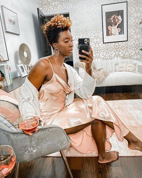"<p>A selfie can be just as much about your home decor as it is about your outfit, amirite? In those instances, take a seat on your favorite piece of furniture and shoot the selfie from that angle.</p><p><a href=""https://www.instagram.com/p/CADb5-yAKME/?utm_source=ig_embed&utm_campaign=loading"" rel=""nofollow noopener"" target=""_blank"" data-ylk=""slk:See the original post on Instagram"" class=""link rapid-noclick-resp"">See the original post on Instagram</a></p>"