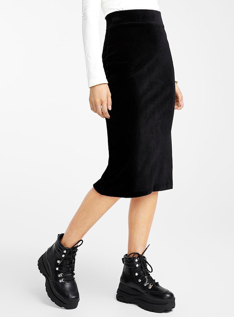 Icone corduroy pencil skirt. Image via simons.ca.