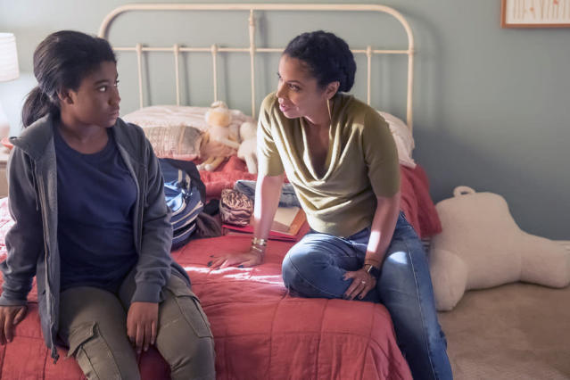 <p>Lyric Ross as Deja and Susan Kelechi Watson as Beth in NBC's <i>This Is Us</i>.<br>(Photo: Ron Batzdorff/NBC) </p>