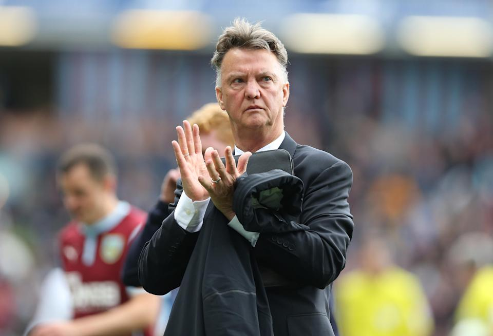 Manchester United manager Louis van Gaal applauds as he leaves the pitch at the end of his side's 0-0 Premier League draw against Burnley at Turf Moor on August 30, 2014 (AFP Photo/Ian MacNicol)