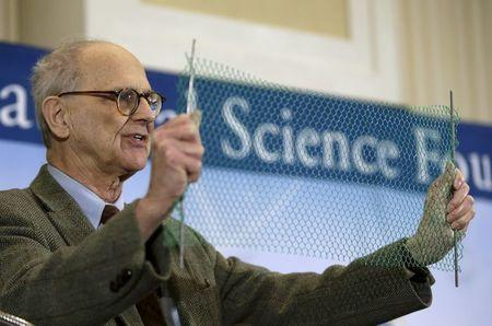 Dr. Rainer Weiss, emeritus professor of physics at MIT, uses a visual aide during a news conference to discuss the detection of gravitational waves, ripples in space and time hypothesized by physicist Albert Einstein a century ago, in Washington February 11, 2016. REUTERS/Gary Cameron