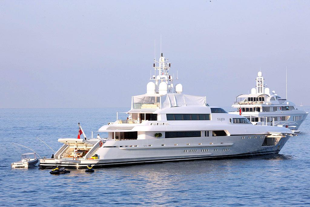 "Maybe you should consider weaseling your way into Kid Rock's posse? If so, perhaps you'll be chillin' with the ""So Hott"" singer on this yacht off the southern coast of France next summer. A/<a href=""http://www.x17online.com"" target=""new"">X17 Online</a> - July 31, 2008"