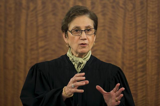 Judge E. Susan Garsh instructs the jury before they resume deliberations during the murder trial for former NFL player Aaron Hernandez at the Bristol County Superior Court in Fall River, Massachusetts, April 15, 2015. Hernandez, 25, a former tight end for the New England Patriots, is accused of fatally shooting semiprofessional football player Odin Lloyd in an industrial park near Hernandez's Massachusetts home in June 2013. REUTERS/Dominick Reuter
