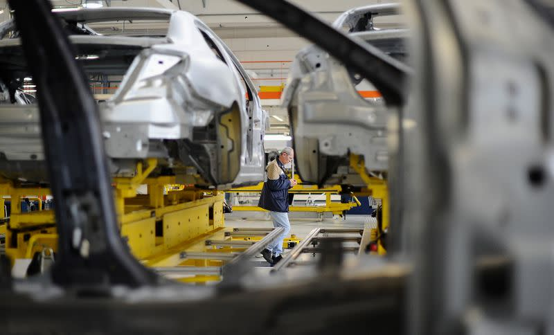 Italy to boost deficit to help car industry and furloughed workers - source