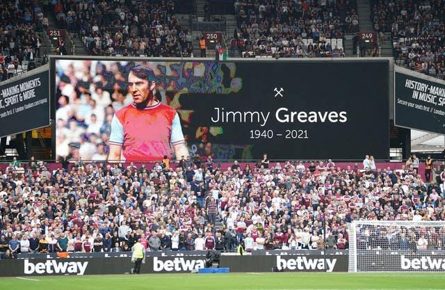 Tributes were paid to Jimmy Greaves after Tottenham confirmed the former forward had died on Sunday morning, with West Ham fans paying their respects before their match with Manchester United