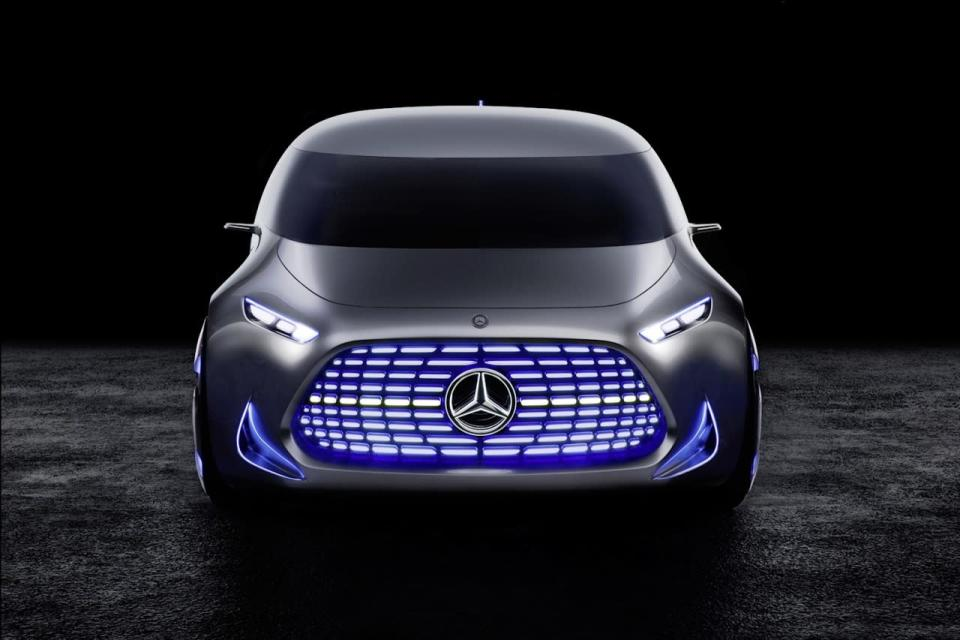 <p>As with the F105 concept from earlier this year, the grille of the Vision Tokyo car is filled with LEDs that change color and flash depending on driving modes—although here, they seem to be applied mostly toward giving passers-by an EQ-light show.<br></p>