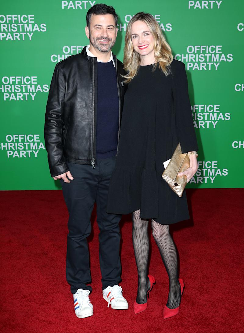 Jimmy Kimmel Christmas.Jimmy Kimmel Steps Out With Glowing Wife Molly Mcnearney