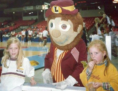 Bo Rambler was Loyola's mascot from 1982-1992 (Photo via @BoRambler)
