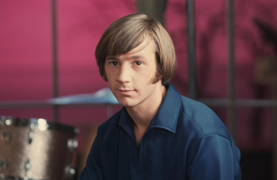 Peter Tork on the set of the television show <em>The Monkees</em> in 1967 (Photo: Michael Ochs Archives/Getty Images)