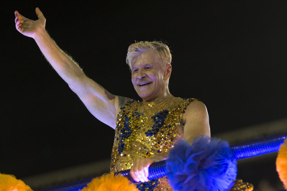 Brazilian TV, cinema and theatre actor, producer, writer and director Miguel Falabella performs with the Unidos da Tijuca samba school during the second night of Rio's Carnival at the Sambadrome in Rio de Janeiro, Brazil, on February 12, 2018. / AFP PHOTO / Mauro PIMENTEL        (Photo credit should read MAURO PIMENTEL/AFP via Getty Images)