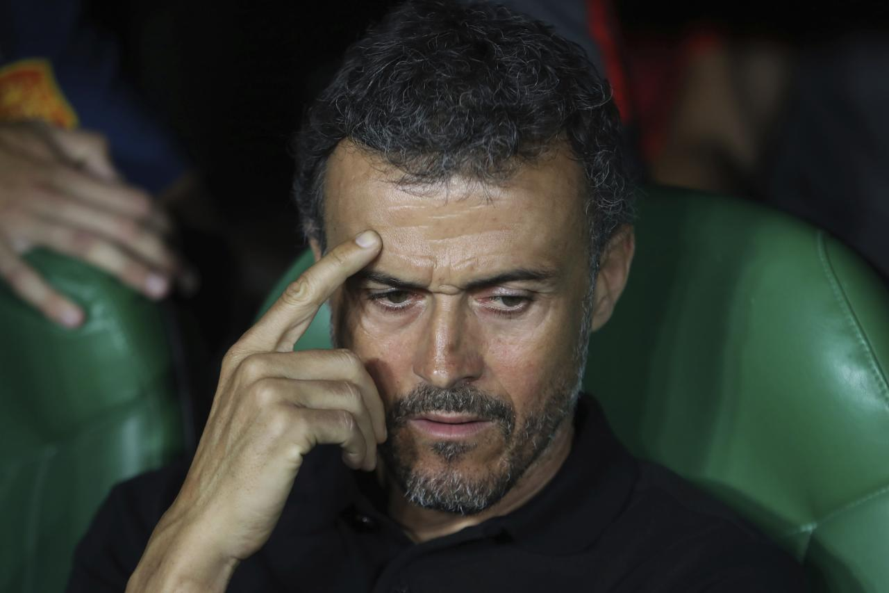 Spain's coach Luis Enrique gestures before the UEFA Nations League soccer match between Spain and England at Benito Villamarin stadium, in Seville, Spain, Monday, Oct. 15, 2018. (AP Photo/Miguel Morenatti)