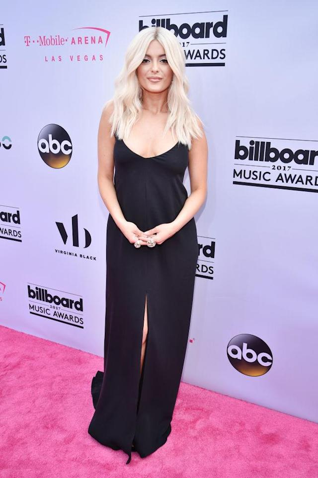 <p>The singer wore one of today's hottest brands: Calvin Klein. (Photo: Getty Images) </p>