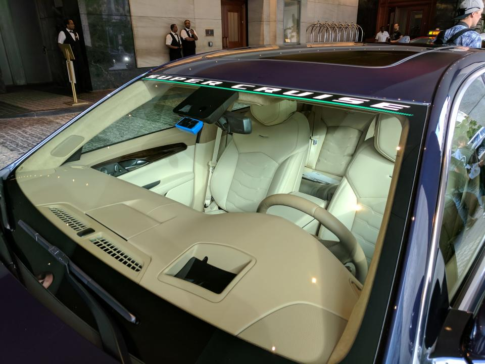 The exterior of the Cadillac CT6 cabin with Super Cruise.