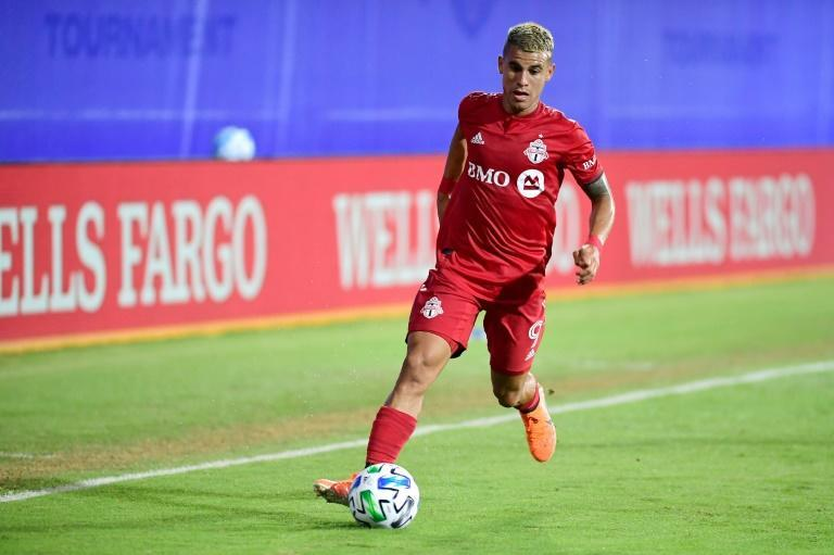 Toronto FC's Erickson Gallardo controls the ball during a round of sixteen match between Toronto FC and New York City FC of the MLS Is Back Tournament in Florida (AFP Photo/Emilee Chinn)