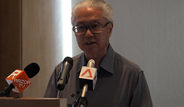 Dr Tony Tan said the back-up measures will Singapore a better ability to ride through the crisis if it happens. (Yahoo! photo/ Faris Mokhtar)