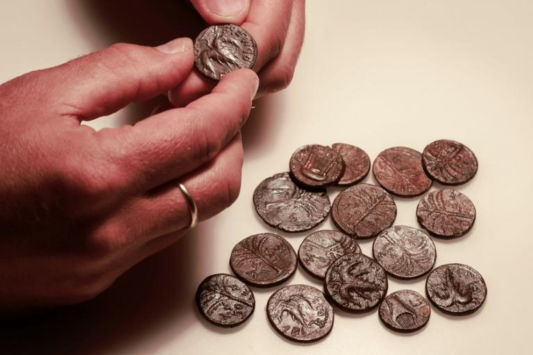 The researchers also uncovered coins from the Bar Kochba Jewish revolt period, around 132–136 CE