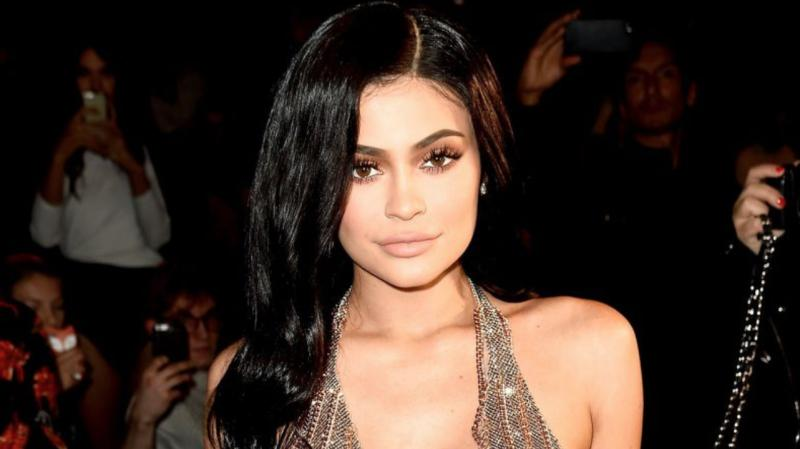 Kylie Jenner sets 'summer goals' with throwback bikini pic