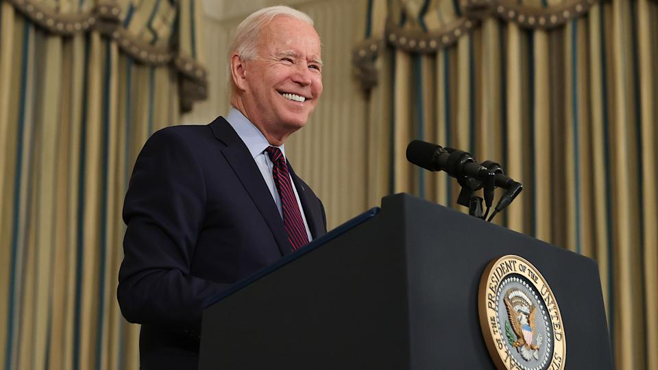 U.S. President Joe Biden delivers remarks about the need for Congress to raise the debt limit in the State Dining Room at the White House on October 04, 2021 in Washington, DC. (Chip Somodevilla/Getty Images)